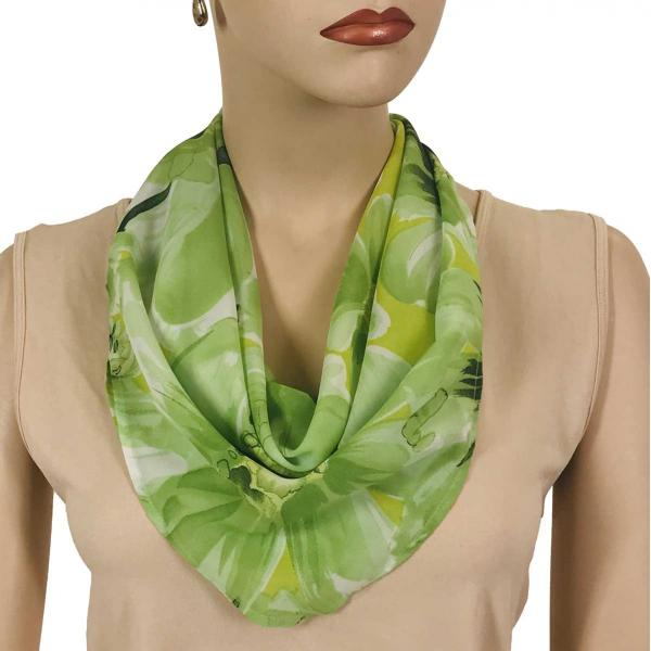 wholesale Magnetic Clasp Scarves (Georgette Triangle) Daisies - Green  -